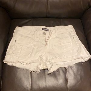 White low-rise Express jean shorts